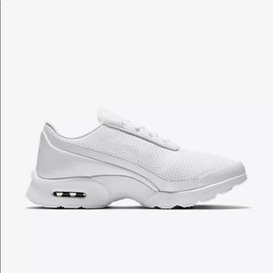 Nike jewell white sneakers IN BOX 896194 101 Sz 6